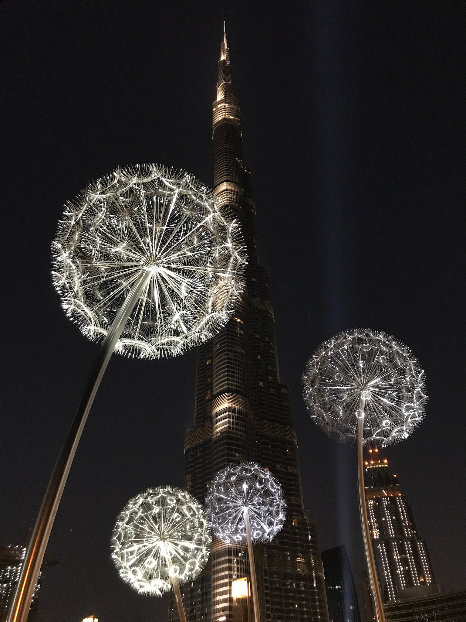 Dandelion Lights Sculpture Dubai, UAE. Commissioned by ...